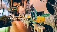bar & kitchen seating