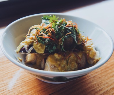 Crispy eggplant with green curry